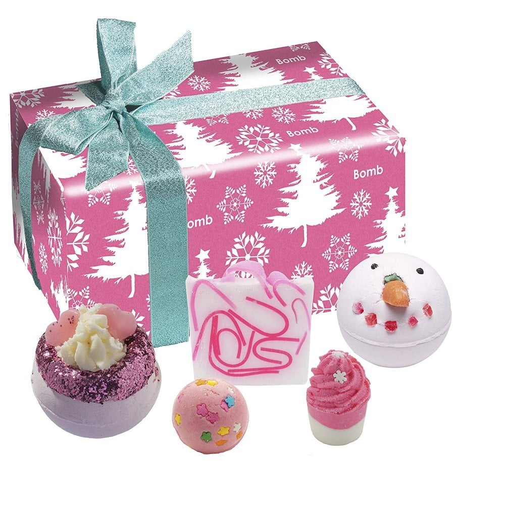Christmas Gift Box.Bomb Cosmetics Dreaming Of A Pink Christmas Gift Pack